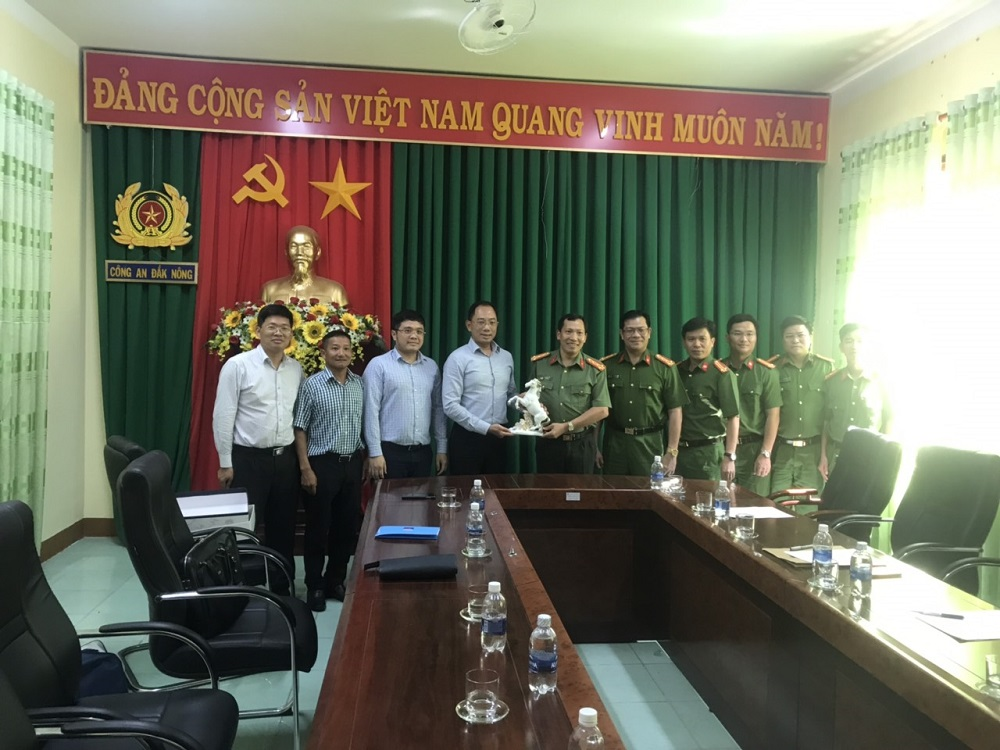 PVOIL Leaders congratulated Dak Nong Public Security for discovering petroleum fraud