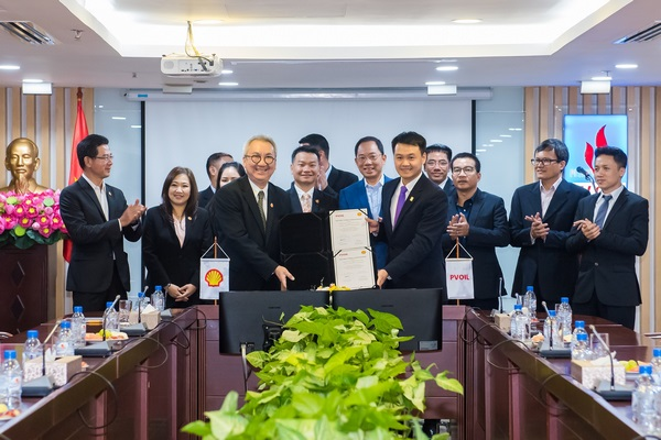 PVOIL Laos and Shell Thailand signed the Agreement for sale